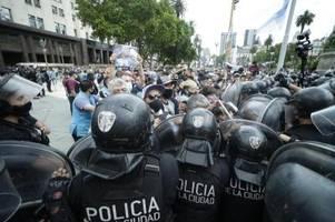 Argentinier nehmen Abschied von Diego Maradona