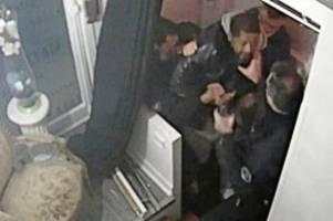 Frankreich: Macron schockiert über Video von brutalem Polizeieinsatz