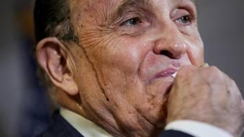USA – Donald Trumps Gehilfe Rudy Giuliani: Lächerlich,  schamlos,  brandgefährlich