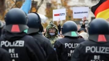 Corona-Proteste: Verfassungsschutz warnt vor neuem Extremismus