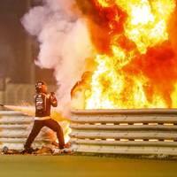 Bahrain: Unfall bei Formel-1-Rennen: Rennwagen von Romain Grosjean geht in Flammen auf