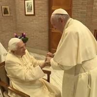 Video: Papst und Papst: Treffen im Vatikan zum 1. Advent