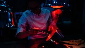 Digitale Optimisten: Ghost Kitchens: Wie das Silicon Valley die Gastronomie revolutionieren wil