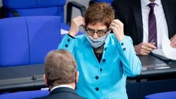 AKK: Bundestagswahl wird Richtungsentscheidung