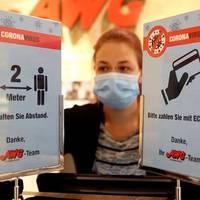 Teil-Lockdown-Verlängerung: Neue Corona-Regeln im Dezember: Schlange stehen vor Läden?