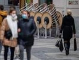 Verschärfte Corona-Maßnahmen in Kraft, SUV rast durch Fußgängerzone in Trier