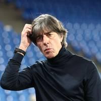 Löw bleibt Fußball-Bundestrainer: Die Entscheidung ist trotz der unbestrittenen Verdienste von Jogi Löw ein Armutszeugnis
