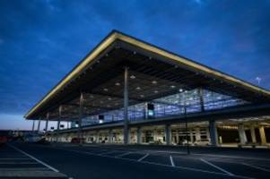 Hauptstadtflughafen: Eine Stunde Parken am BER für 24 Euro