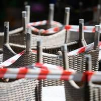 Strengere Beschränkungen: Corona-Regeln: Verschärfte Beschlüsse treten in Kraft