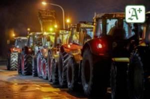 Einzelhandel: Hunderte Landwirte blockieren stundenlang Lidl-Lager
