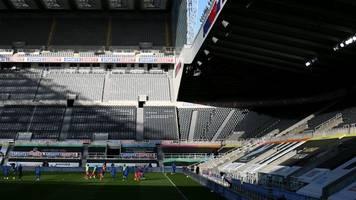 Premier League - Mehrere Corona-Fälle: Newcastle United sagt Heimspiel ab