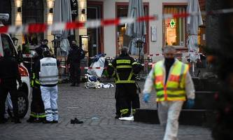 zwei tote, mehrere verletzte: amokfahrt in fußgängerzone von trier