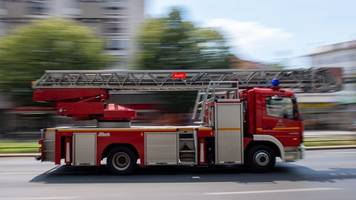 Mehrere Hunderttausend Euro Schaden bei Lagerhallenbrand