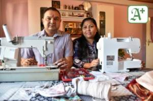 Serie : Zwei Inder versorgen Uetersen mit Masken