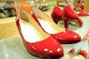 Damenschuhhersteller braucht Hilfe vom Staat - Peter Kaiser droht das Aus: Älteste Schuhfabrik Europas meldet Insolvenz an