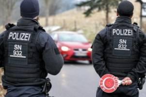 Pandemie: Corona: Strenge Kontaktbeschränkungen auch über Weihnachten?