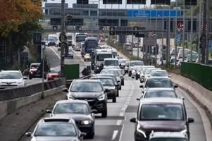Autoexperte Dudenhöffer: Zahl der Autos in Deutschland erreicht neuen Höchststand