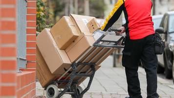 krankenkasse zur gesundheitlichen belastung von paketboten