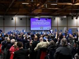 bombendrohung eingegangen: afd-parteitag muss unterbrochen werden