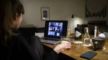 Studie: Frauenstimmen wirken bei Videokonferenzen weniger kompetent