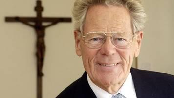 Mit 93 Jahren: Theologe und Kirchenkritiker Hans Küng ist tot