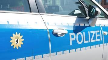 berlin-schöneberg: polizei sprengt parteiversammlung – corona-verstöße