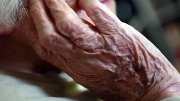 Pandemie-Folgen: Lebenserwartung sinkt in Corona-Krise fast überall inder EU