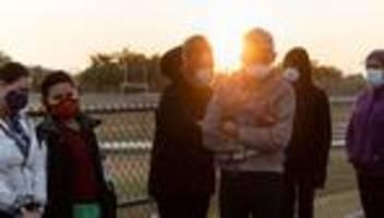 usa: zahl unbegleiteter minderjähriger an us-südgrenze rasant gestiegen