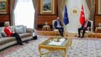 Ursula von der Leyen: EU-Parlament will SofaGate-Vorfall bei Erdoğan-Besuch aufklären