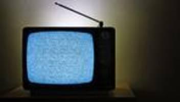 Astrophysik: Das Rauschen im Fernseher ist ein Echo des Urknalls. Stimmt's?