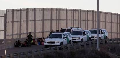 usa: behörden nehmen an grenze zu mexiko so viele migranten fest wie seit 15 jahren nicht mehr