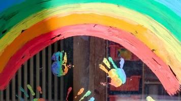 Senat berät über Vorgehen bei den Schulen - Kitas dicht