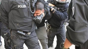 attila hildmann: kein deutscher knast wegen türkischer staatsangehörigkeit