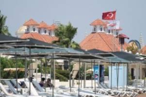 verschärfte einreiseregeln: türkei und kroatien werden corona-hochinzidenzgebiete