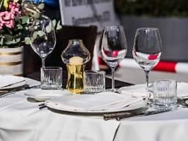 pariser polizei greift durch: geheime corona-diner aufgeflogen