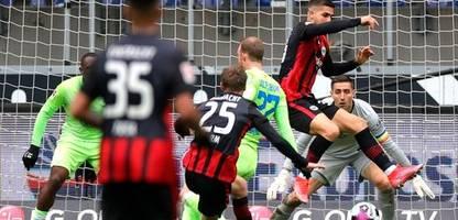 Bundesliga: Eintracht Frankfurt gewinnt Spektakel, Bayern München nur remis
