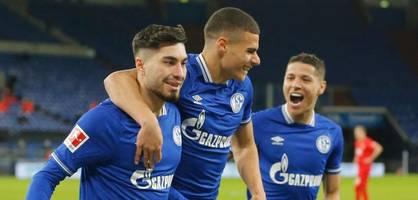 Schalke sendet mit Sieg gegen Augsburg ein Lebenszeichen