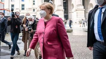 Merkel hat Klausur der Spitze der Unionsfraktion verlassen