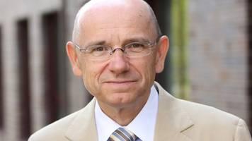 Patientenschützer: Laschet will Impfreihenfolge zerlegen