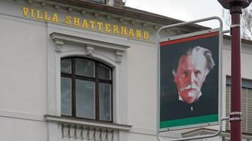 Skalp aus Karl-May-Museum an US-Generalkonsul übergeben