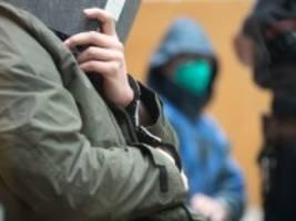 Prozess gegen Gruppe S.: Abgründe hinter biederer Fassade