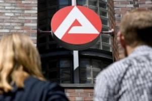 Arbeitsmarkt wankt: Zahl der neuen Azubis im Corona-Jahr 2020 stark eingebrochen