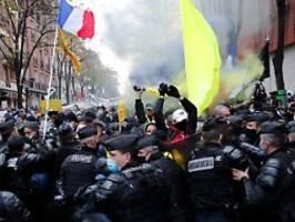 Filmverbot bei Polizeieinsätzen: Frankreich beschließt umstrittenes Gesetz