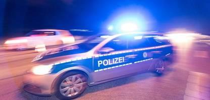 berlin: brandstiftung an fahrzeugen – durchsuchungen in neukölln