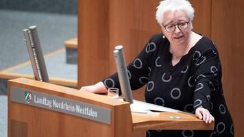 Distanzunterricht: Grüne werfen Ministerin Chaos vor