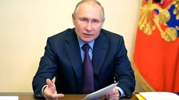 hilfe für nawalny: promis aus aller welt schreiben brief an putin