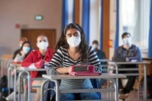 Pandemie: Corona-Regeln für Schulen: Wird die Notbremse verschärft?