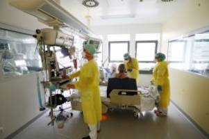 Corona-Newsblog: Debatte um Notbremse - Lauterbach befürchtet 10.000 Tote