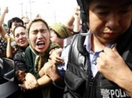 Menschenrechte in China: VW verteidigt sein Engagement in Xinjiang