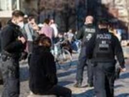 Wie streng soll die Polizei bei Corona-Verstößen sein?
